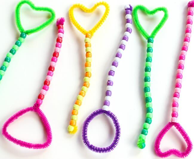 Pipe Cleaner Wands from the Ultimate List of Bubblelicious Activities
